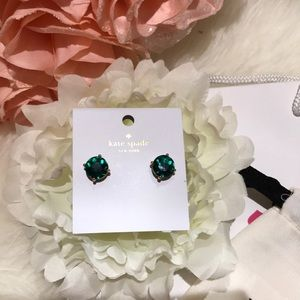 Kate Spade ♠️ emerald green earrings nwt